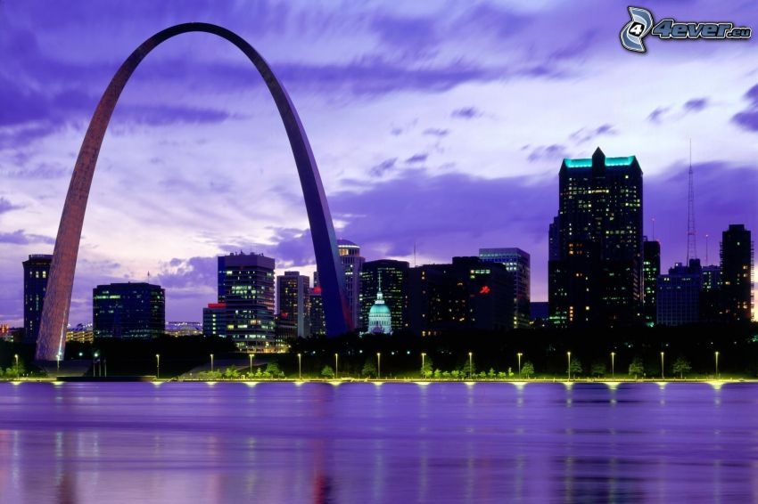 Gateway Arch, St. Louis, purple sky