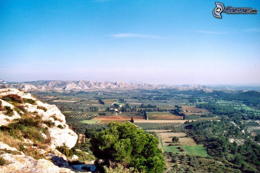 Les Baux de Provence, fields
