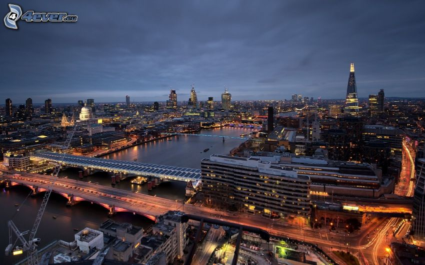 London, evening city