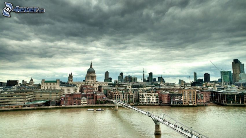 London, Millenium Bridge, Thames