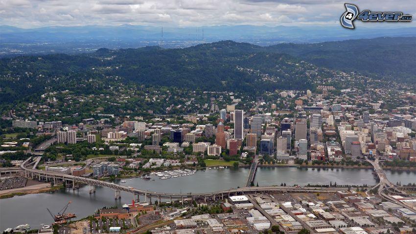 Portland, River