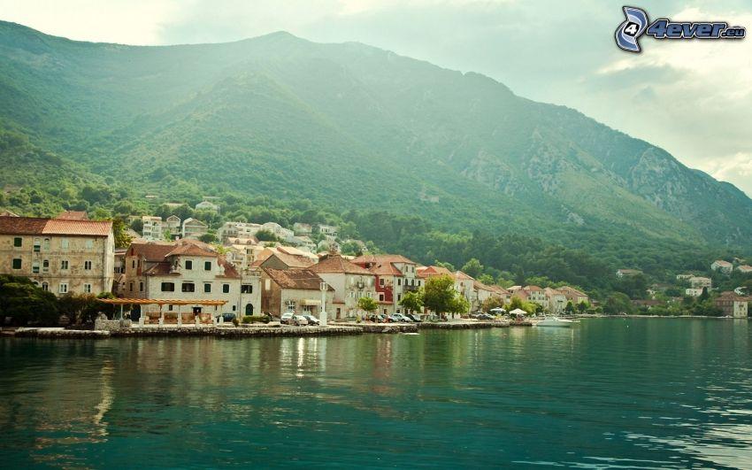 seaside town, mountains