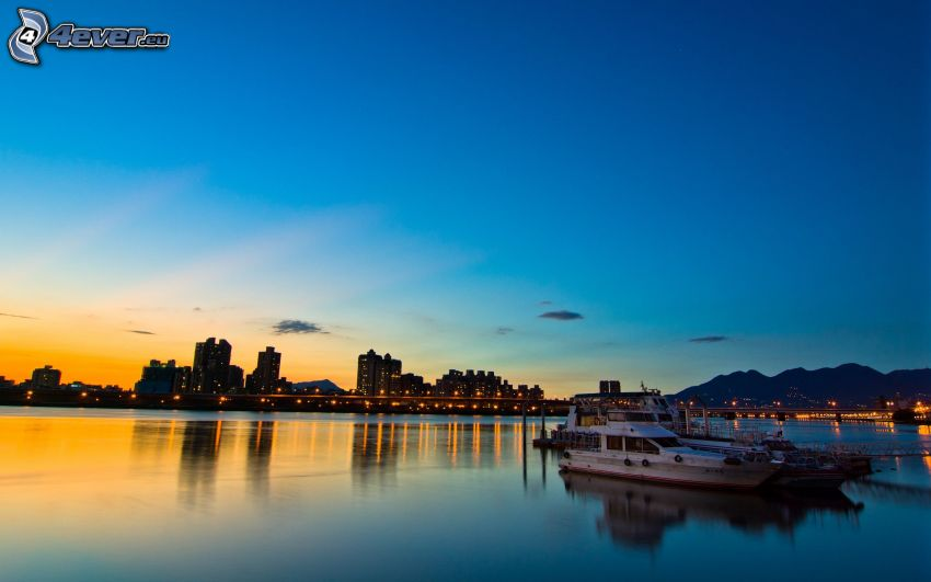 Taipei, evening city, sea