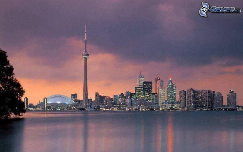 Toronto, CN Tower, evening city