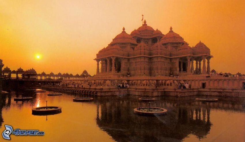 Akshardham, water surface, sunset