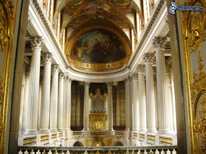 Castle Versailles, interior, corridor, pillars