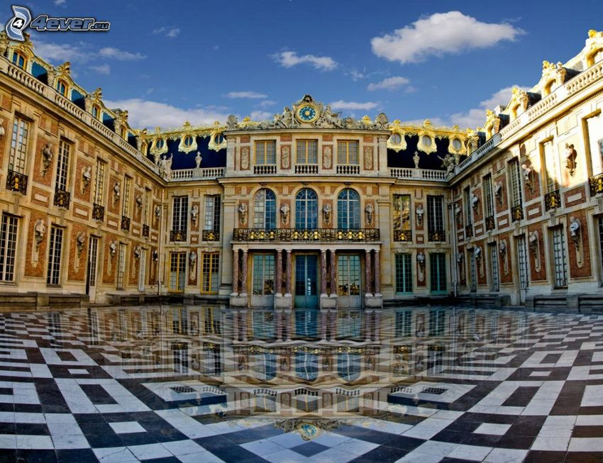 Castle Versailles, pavement