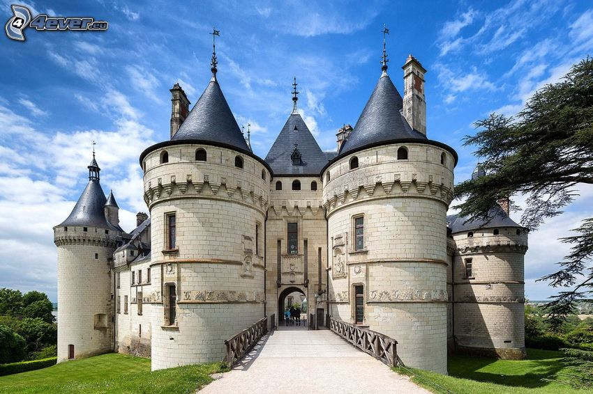 Château de Chaumont, gate, bridge