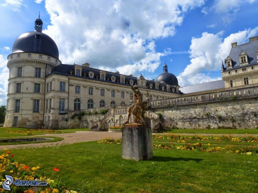 château de Valençay, garden, statue