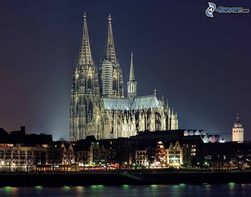 Cologne Cathedral, night city