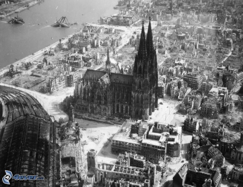 Cologne Cathedral, ruins, World War II