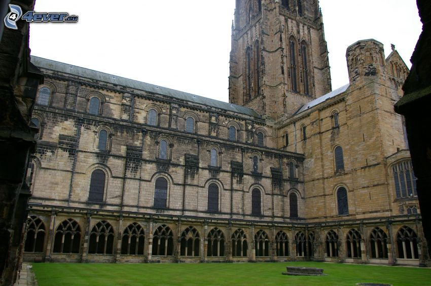 Durham Cathedral, courtyard