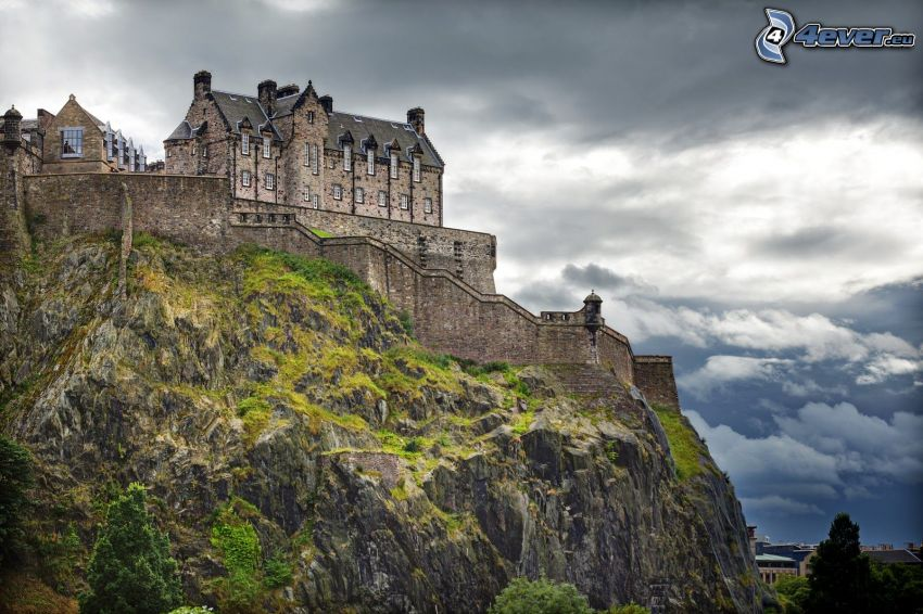 Edinburgh Castle, rock, dark clouds