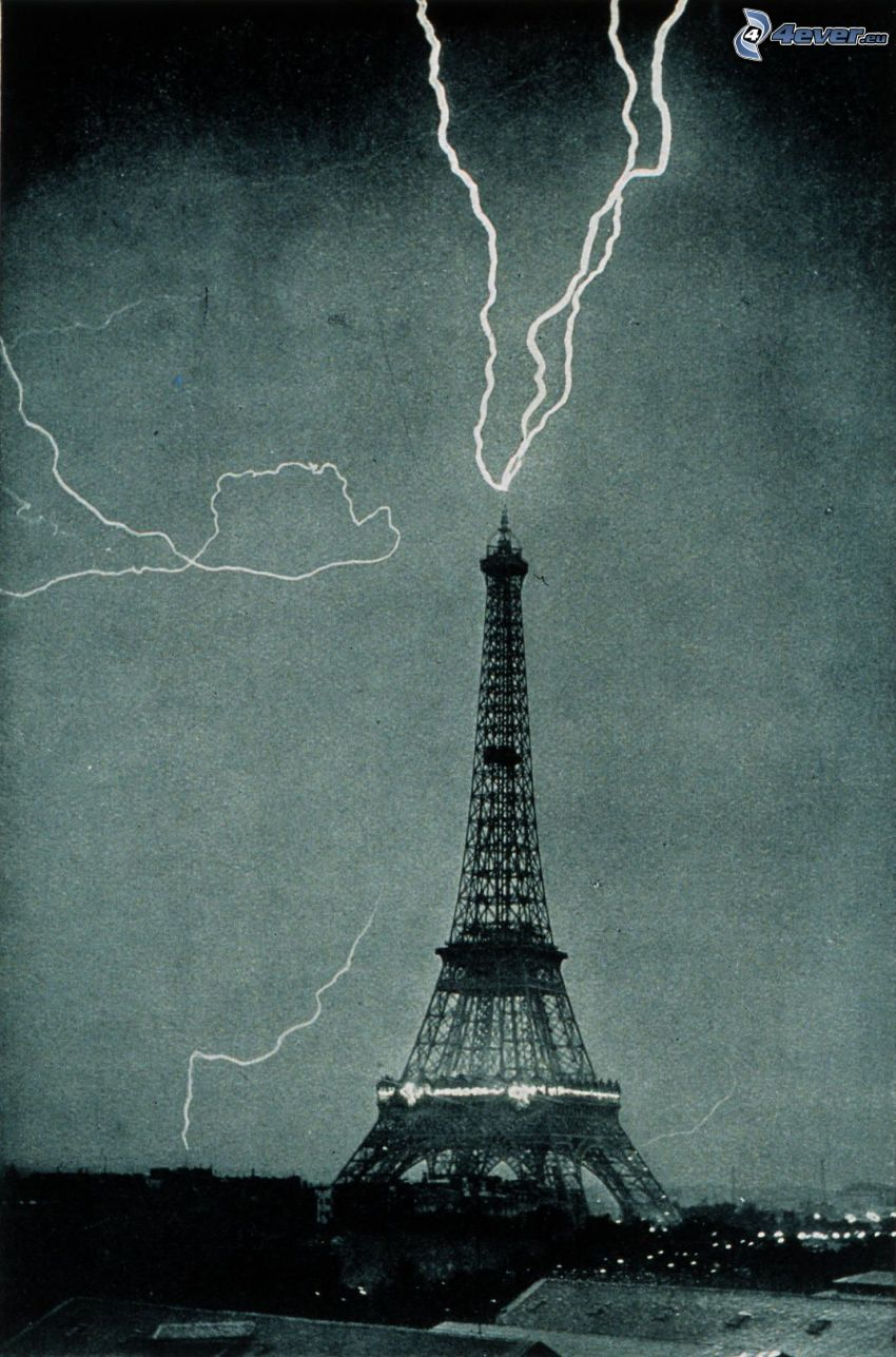Eiffel Tower, lightning