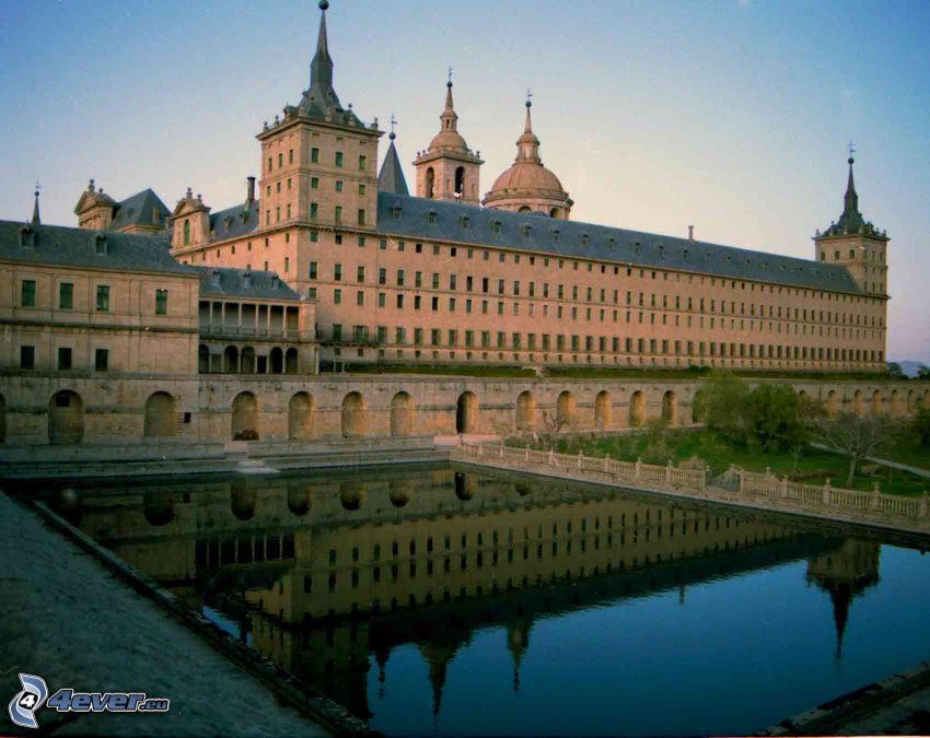 El Escorial, lake, reflection