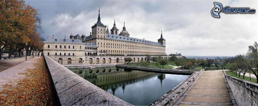 El Escorial, lake, sidewalk, autumn trees