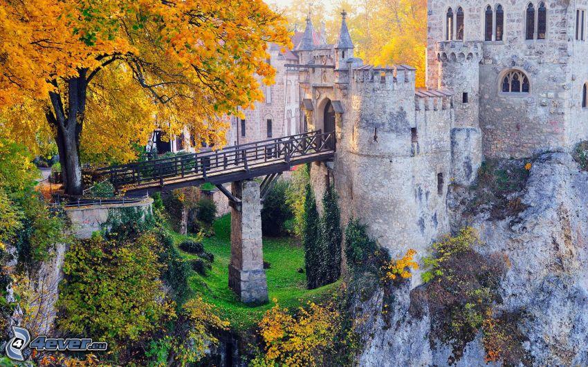 Lichtenstein Castle, autumn trees