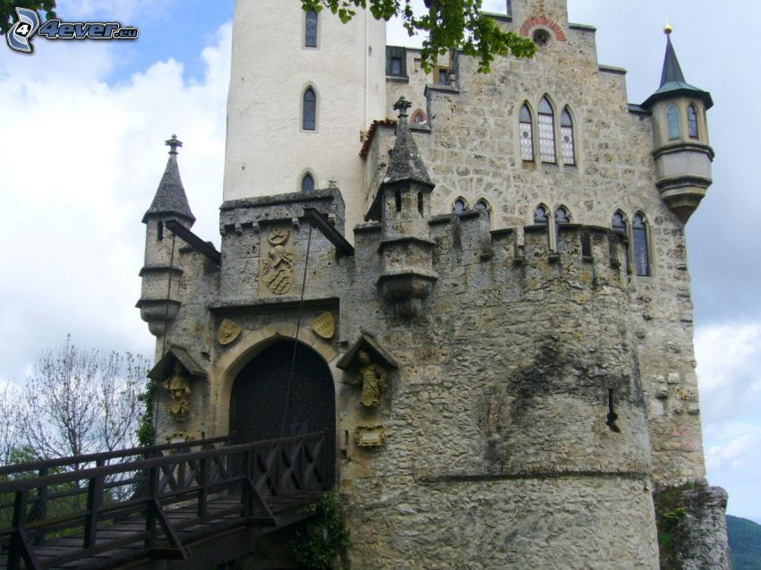 Lichtenstein Castle, wooden bridge, gate