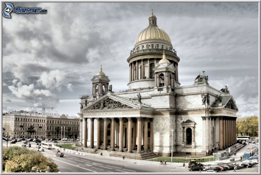 Saint Isaac's Cathedral, Saint Petersburg, cloudy