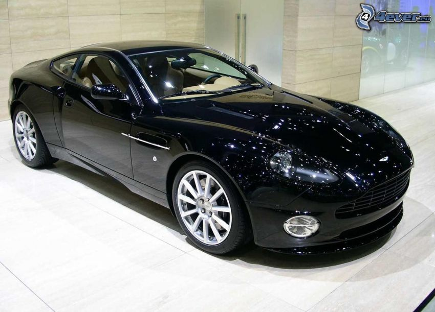 Aston Martin V12 Vanquish, exhibition