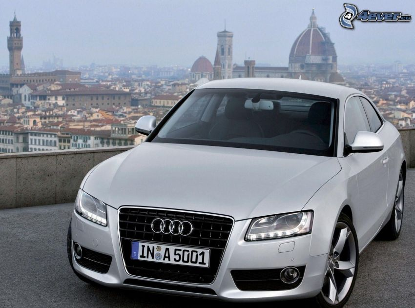 Audi A5, view of the city