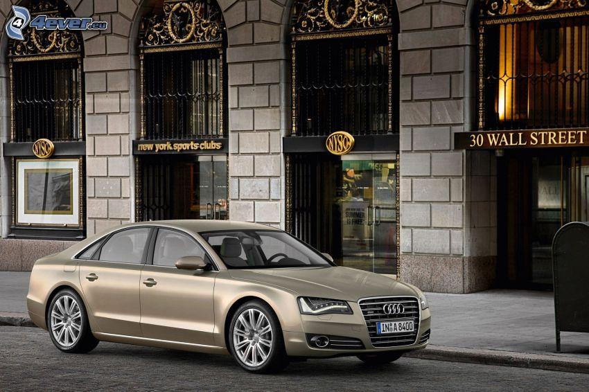 Audi A8, street