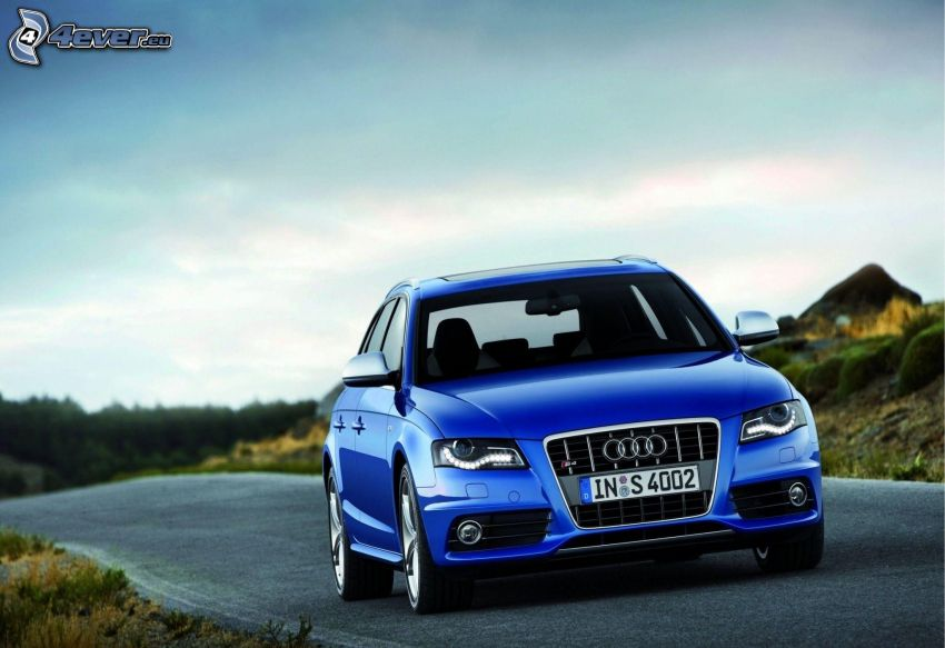 Audi S4, road