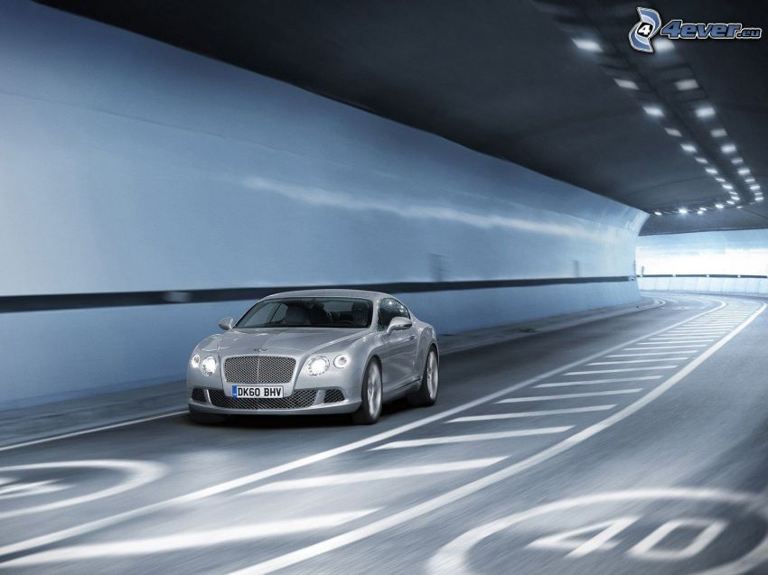 Bentley Continental GT, tunnel
