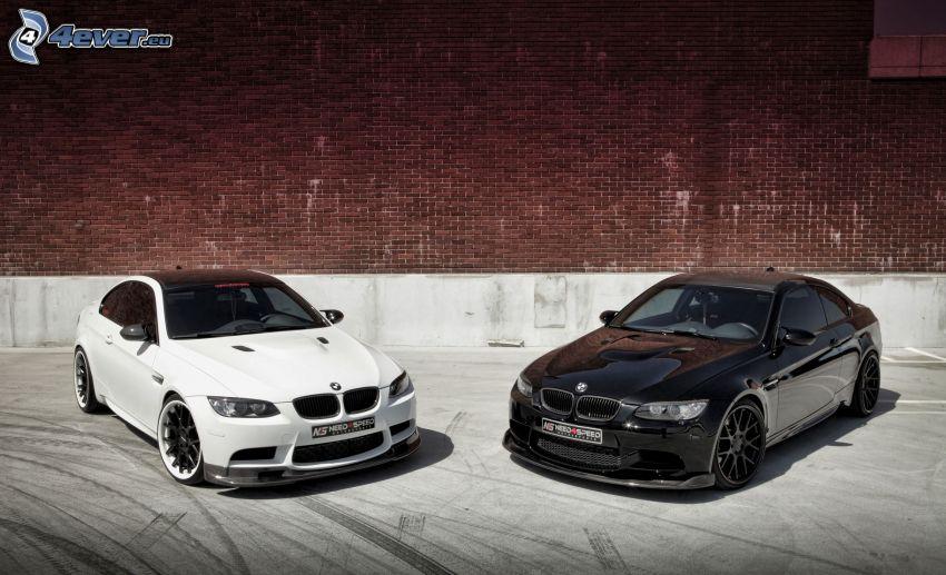 BMW 3, brick wall