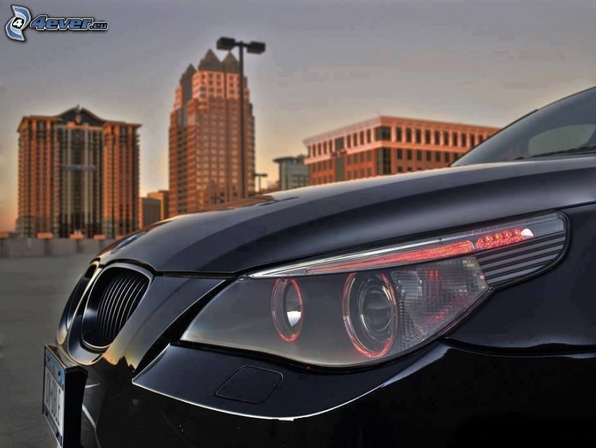 BMW 5, reflector, front grille, buildings