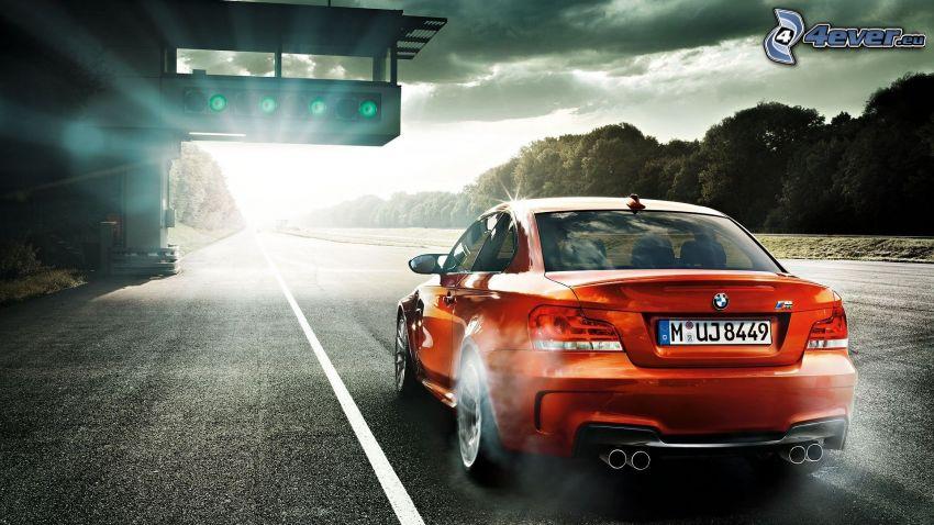 BMW M1, glow