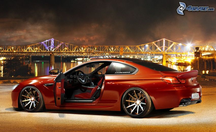 BMW M6, lighted bridge