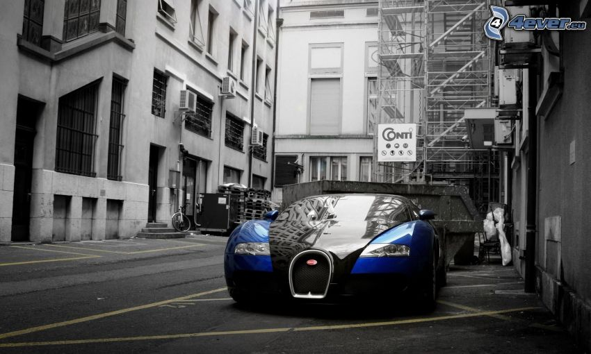 Bugatti Veyron, street