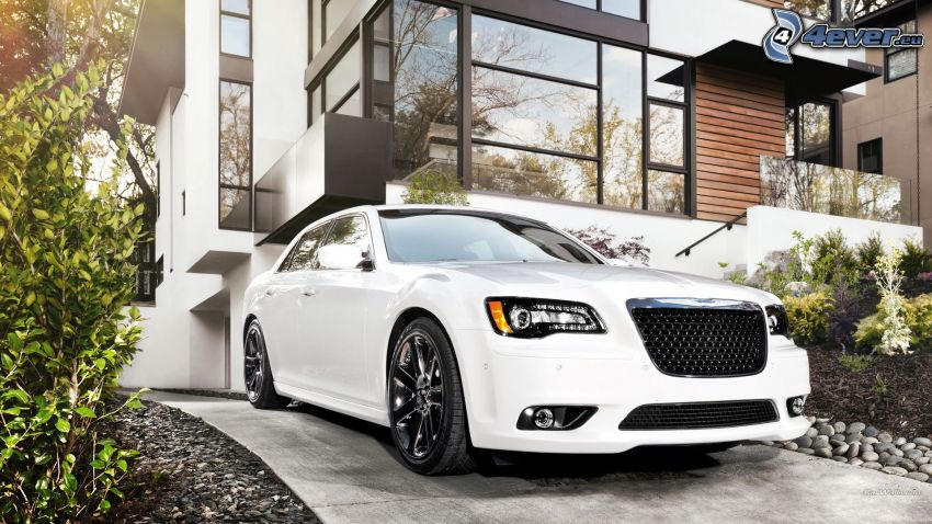 Chrysler 300, modern house