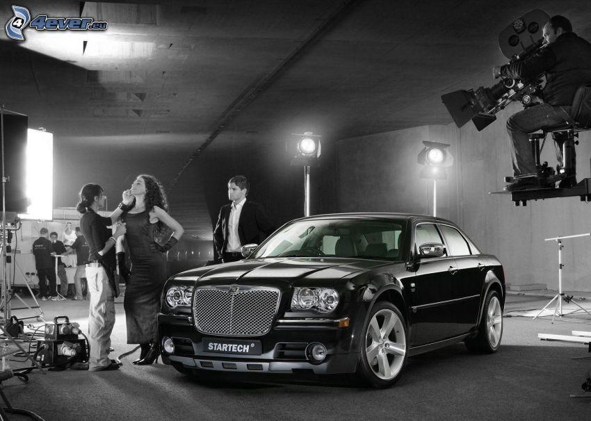 Chrysler 300, recording, black and white