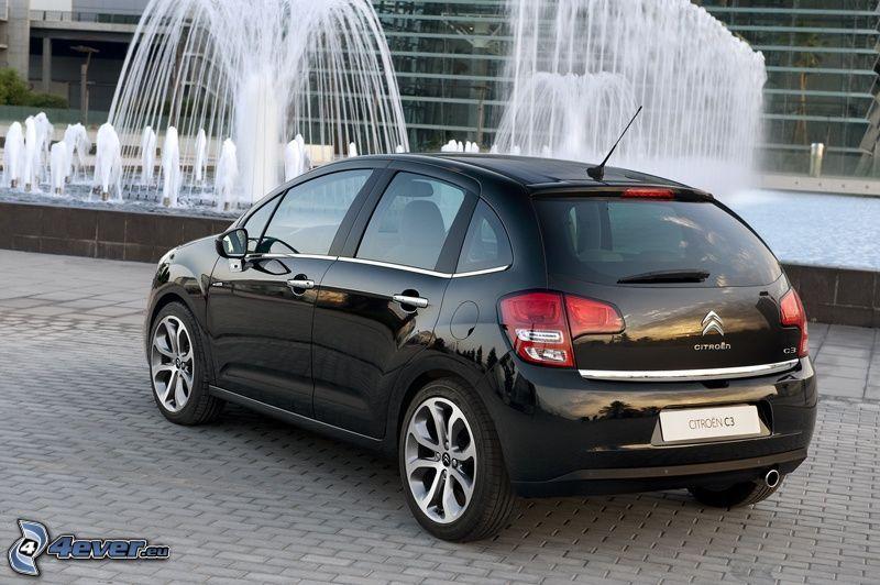 Citroën C3, fountain, pavement