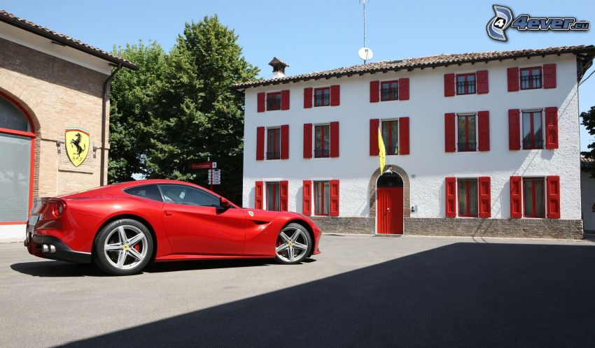 Ferrari F12 Berlinetta, buildings