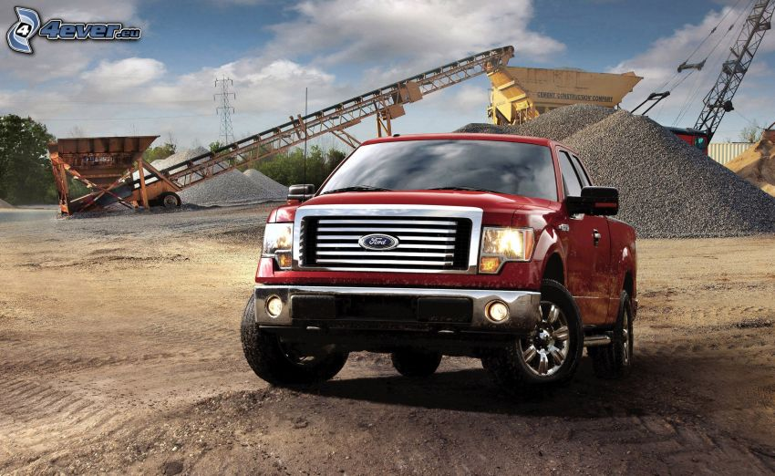 Ford F150 raptor, construction site