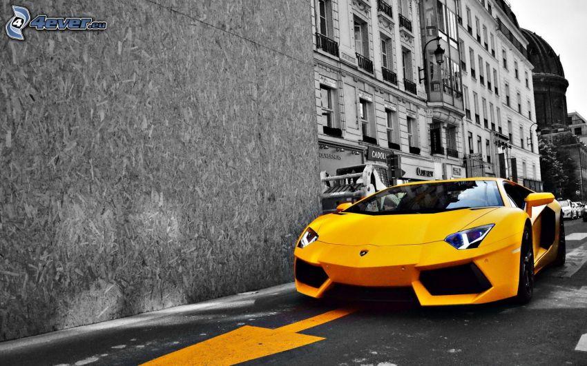 Lamborghini Aventador, building