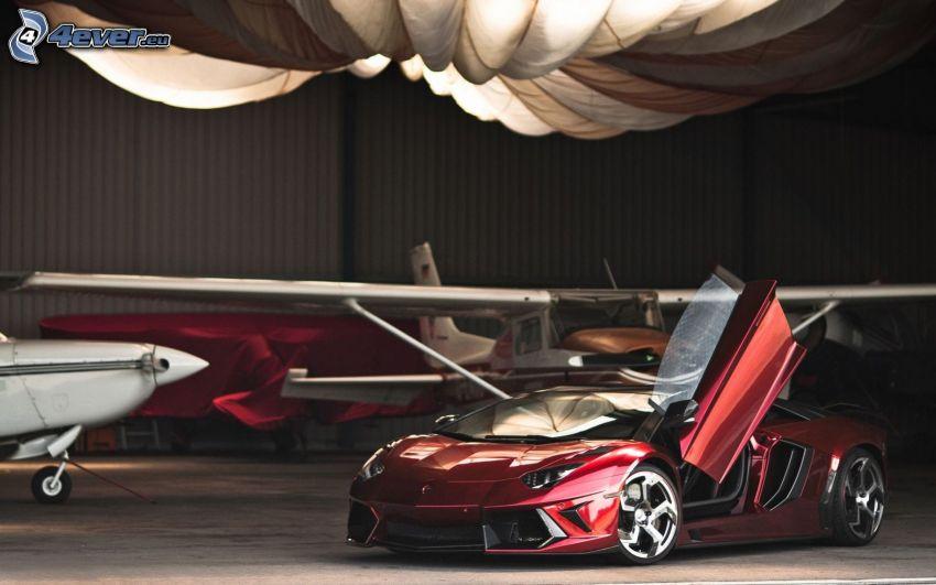 Lamborghini Aventador, door