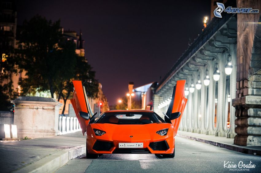 Lamborghini Aventador, night city