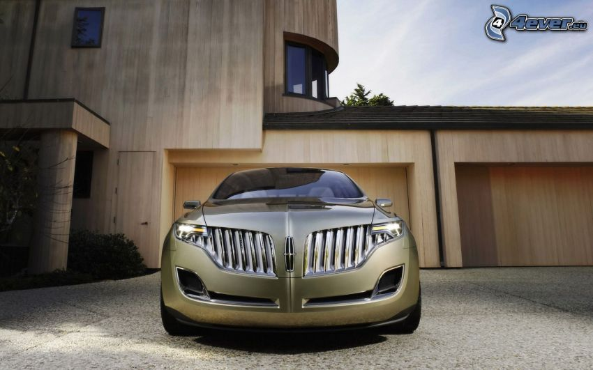 Lincoln MKT, front grille, modern house