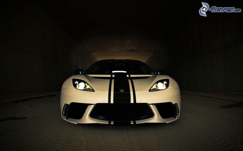 Lotus Evora GTE, tunnel