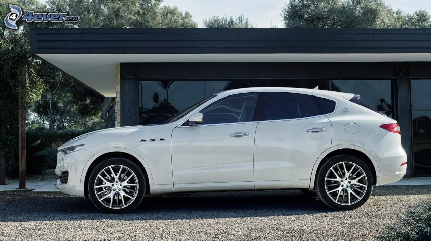 Maserati Levante, luxury house
