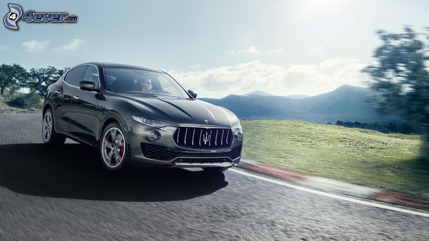 Maserati Levante, mountain