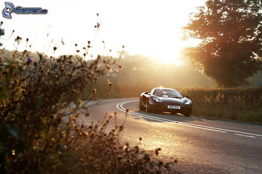McLaren MP4-12C, road