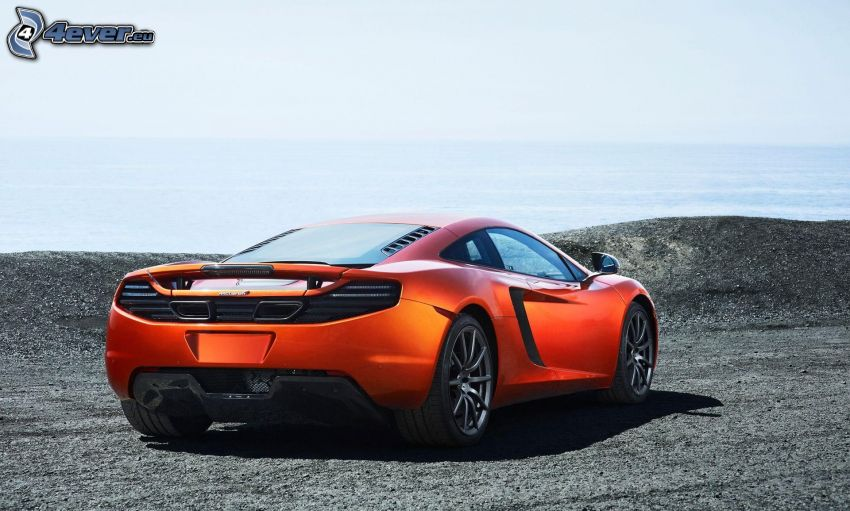 McLaren MP4-12C, the view of the sea