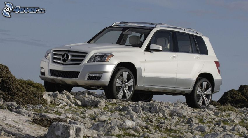 Mercedes-Benz, rocks