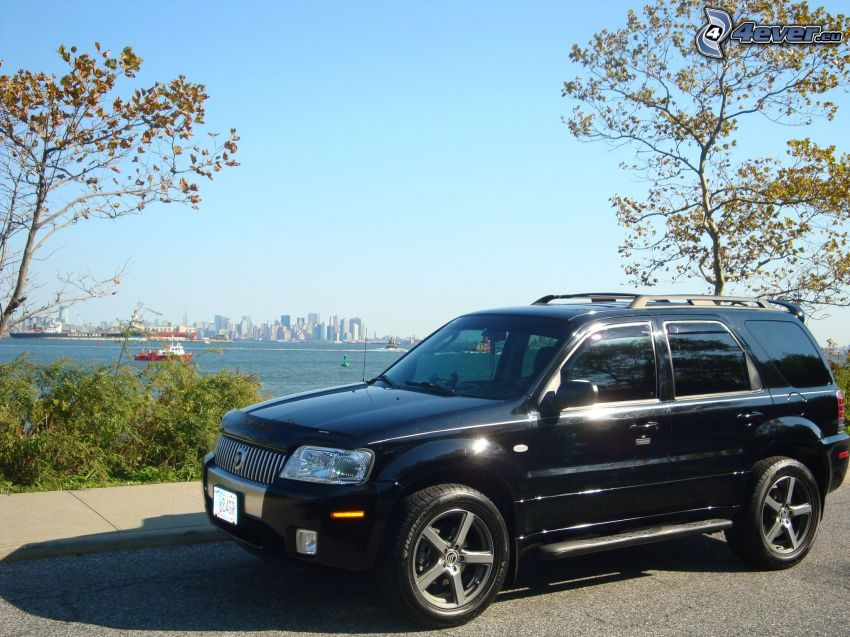 Mercury Mariner, view of the city, sea