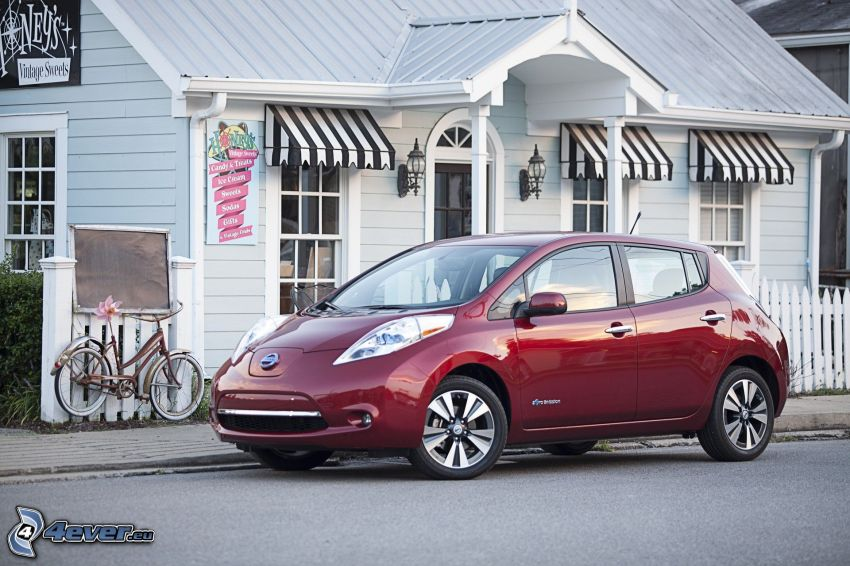Nissan Leaf, house, bicycle